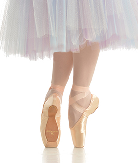 Pointe Shoe fitting at Dancia Ewell